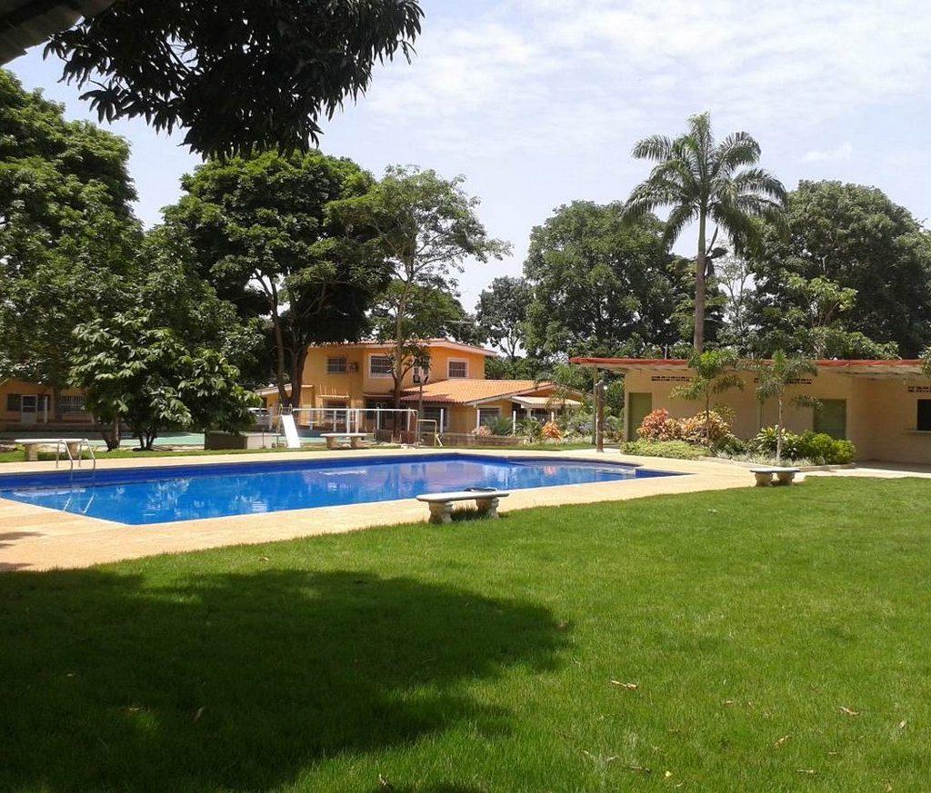 Quintas-en-monterrey-alquiler-piscina